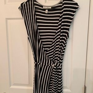 Jessica Simpson Dresses - Jessica Simpson Maternity Maxi Dress